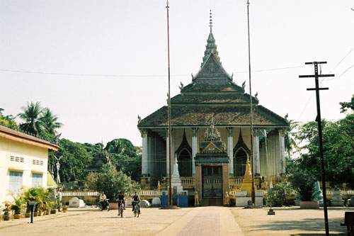 Wat Tahm Rai Saw in Battambang